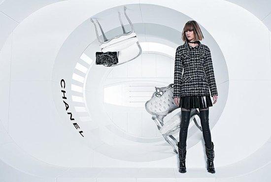 Chanel-Fall-2013-Campaign-Ashleigh-Good-Chiharu-Okunugi-Soo-Joo-03