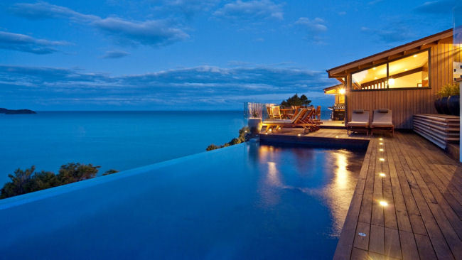 Split-Apple-Retreat-infinity-pool_big