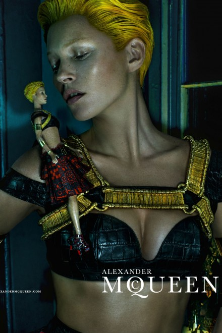 kate-moss-is-transformed-with-an-alexander-mcqueen-makeover-for-ss14