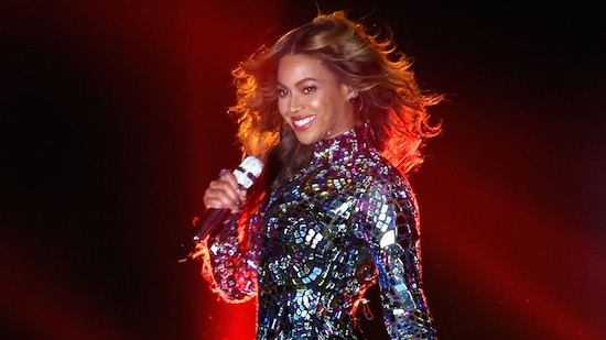 MTV-VMAs-Beyonce-Performance