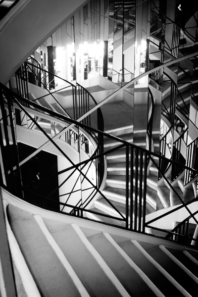 Second_Floor_Staircase_400
