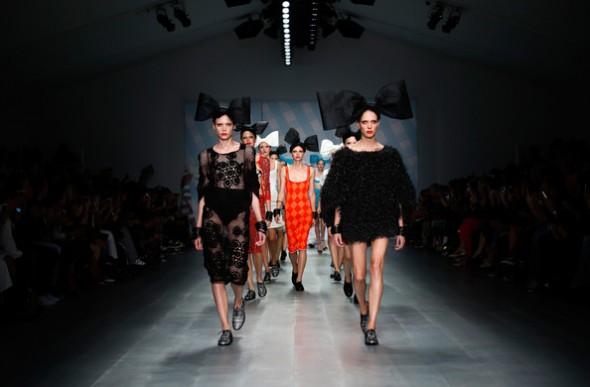 SIBLING+Runway+London+Fashion+Week+SS15+Y0EPjwbFKyPl