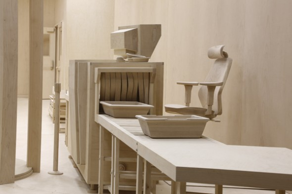 roxy-paine-checkpoint-2014