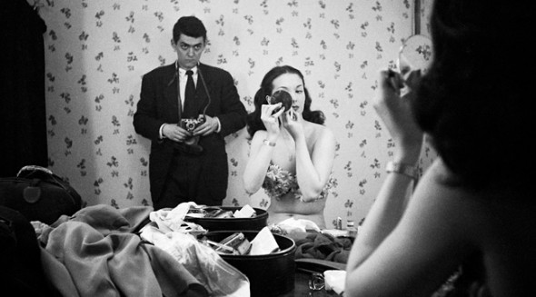 Kubrick photographing Rosemary Williams