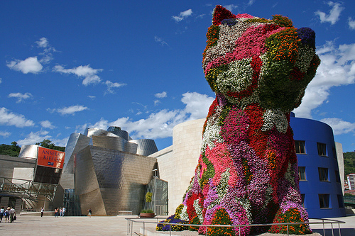 Guggenheim-Flower-Dog-Jeff Koons