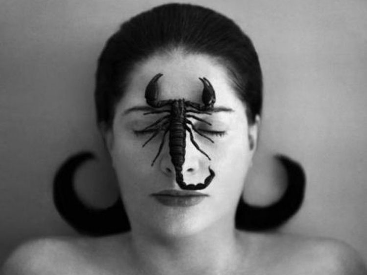ArtAnswer_MarinaAbramovic